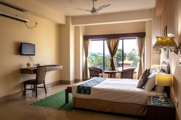 Deluxe Temple View Room (Double Bed/ Queen Size)